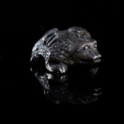 Ojime bead of a money Frog.